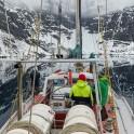 """Северная Норвегия. Регион Nord Norge. Яхта """"Alter Ego"""" в Oksfjord у подножия ледника. Капитан Михаил Тигушкин. Фото – Артем Оганов"""
