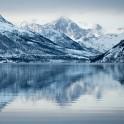 Северная Норвегия. Заполярный регион Nord Norge. Фьорд Oksfjord. Фото - Константин Галат