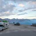 Команда RideThePlanet на высокогорном автомобильном перевале между Италией и Австрией. Фото – Константин Галат