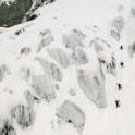 Грузия, регион Верхняя Рача. Райдеры поднимаются в зону катания на массиве Караугом. Фото – Владимир Горлов