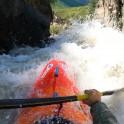 Горный Алтай. Мажойский каскад на река Чуя. Каякер Иван Козлачков. Фото - GoPro